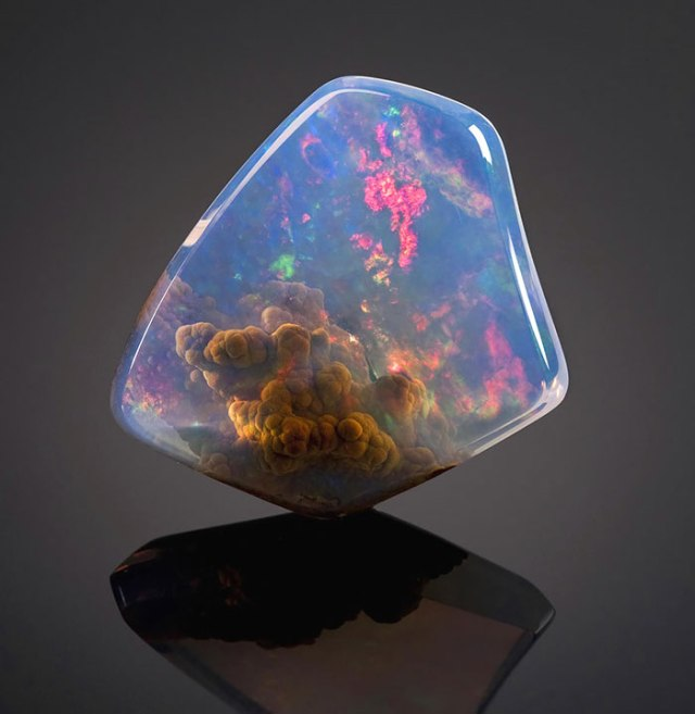 Luz Opal With Galaxy Inside