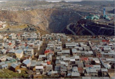 Open-pit mine in Cerro de Pasco, Peru. PHOTO: Centro de Cultura Popular LABOR, Peru