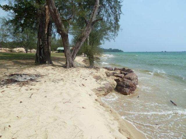 Xói lở bờ biển tại Bãi Dài