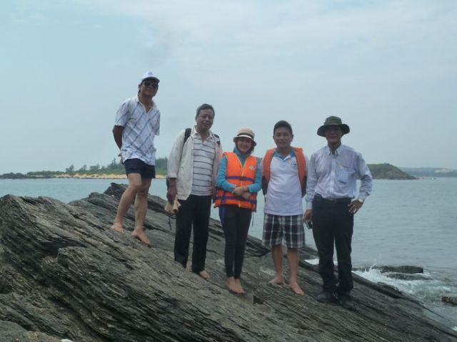 Từ trái qua: Đoàn Sung, Hải, Diễm Kiều, Mạnh Trinh, Ngọc Thu