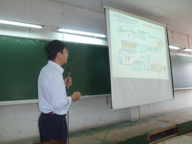 Thày Tự Thành trình bày tóm tắt qui trình xử lý nước cấp và nước thải