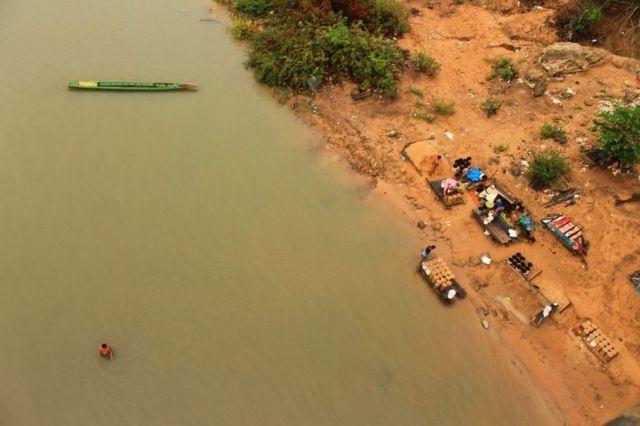 Người dân tỉnh Stung Treng, Campuchia kiếm sống từ sông Mekong, nơi nhiều đập thủy điện sẽ được xây dựng