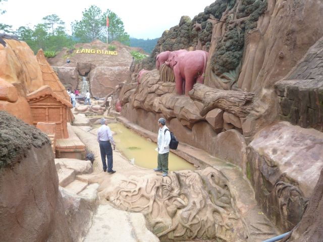 Đà Lạt hoang sơ tại Đường hầm Điệu khắc