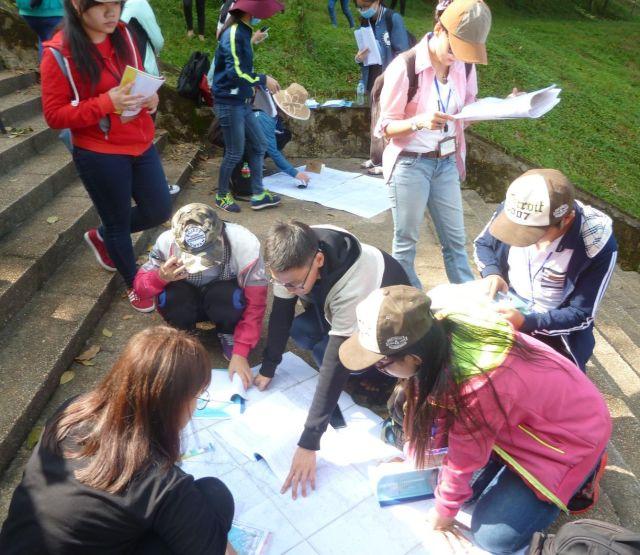 Nhóm 13 định điểm vị trí khảo sát trên bản đồ