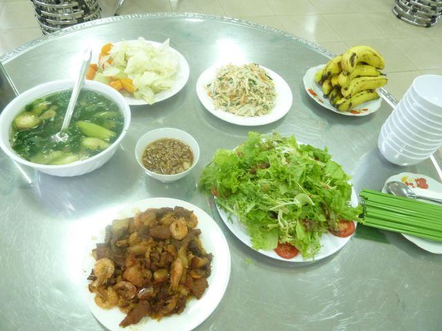 Hôm nay có thêm món rau sống từ trang trại Organik Dalat