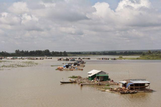 Hình 10: Làng cá bè La Ngà (Nguồn: Dungsulk)