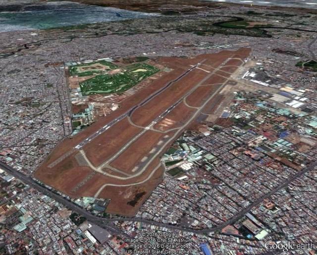 Hình 8. Do đô thị hóa, Sân bay Tân Sơn Nhất trở thành vùng trũng. Ảnh Google Earth 24.03.2015