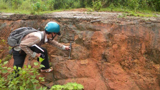 Nam khảo sát thềm biển Pleistocen