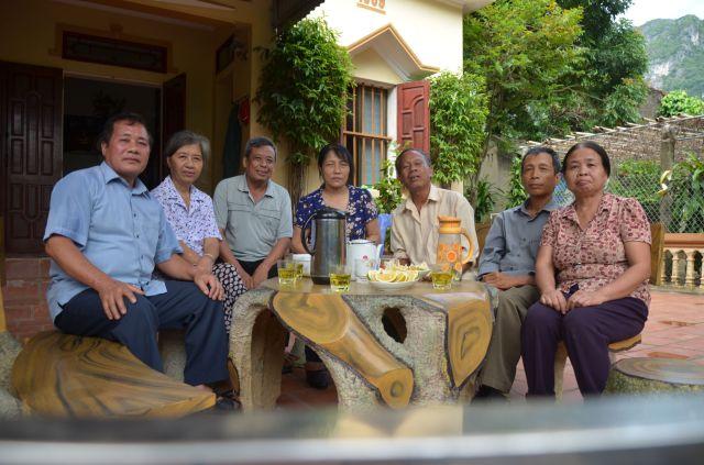 Gặp các bạn học cấp III Lạc Thủy (1973) tại nhà ông Hợp và Bà Ngọc