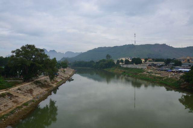 Sông Bôi đoạn qua thị trấn Chi Nê