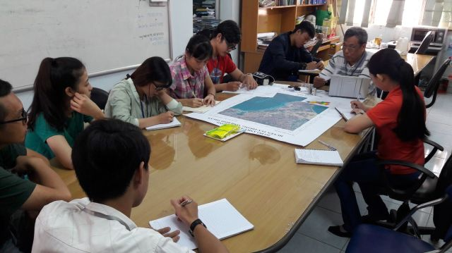 Nhóm 2_MT và TNB với đề tài Hiện trạng du lịch Bãi đá Bảy màu (Cổ Thạch) và đề xuất giải pháp nâng cao chất lượng