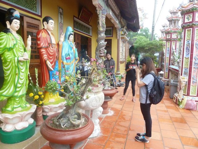 Tại chùa Cổ Thạch