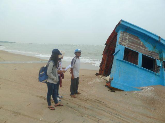 Phỏng vấn về xói lở Cửa Lộc An