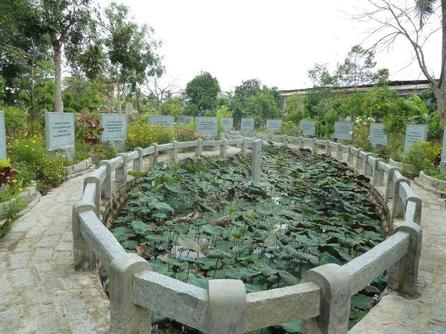 Vườn kinh A Di Đà - phần miền Nam
